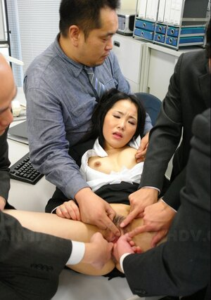 Japanese office kitten likes being treated like slut by colleagues sucking everyone